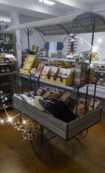 vitrines-evreux-centre-ville-commerce-commercant-union-association-bouton-la-dispensa-2